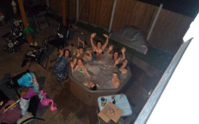 CHRISTMAS HOT TUB HIRE