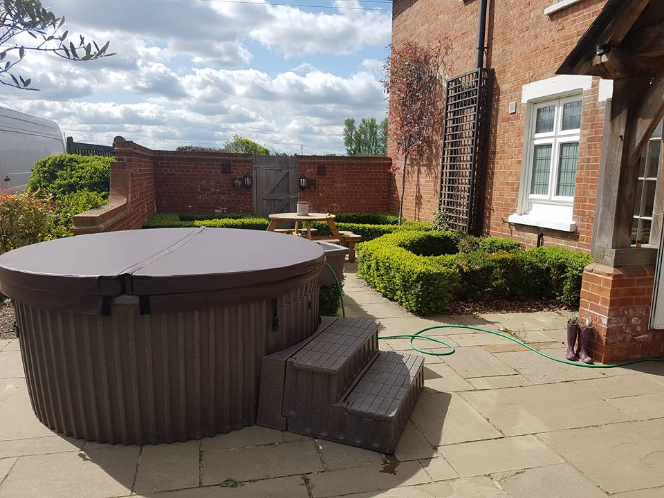 Hot tub hire in Tilbury