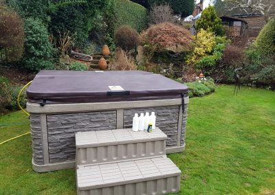 outdoor full closed cover hot tub by south east hot tubs 4