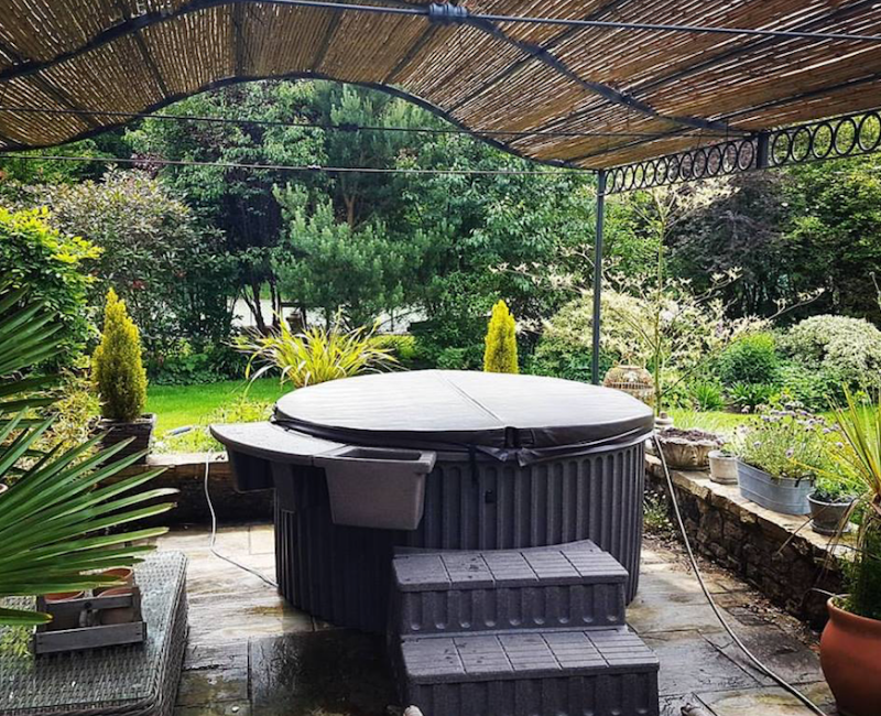 Outdoor Hot tub rental in Thanet