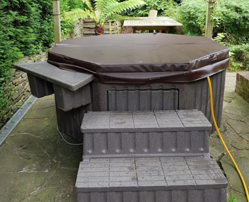 Tilbury Hottub hire outdoors