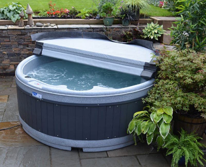 G2 hot tub hire